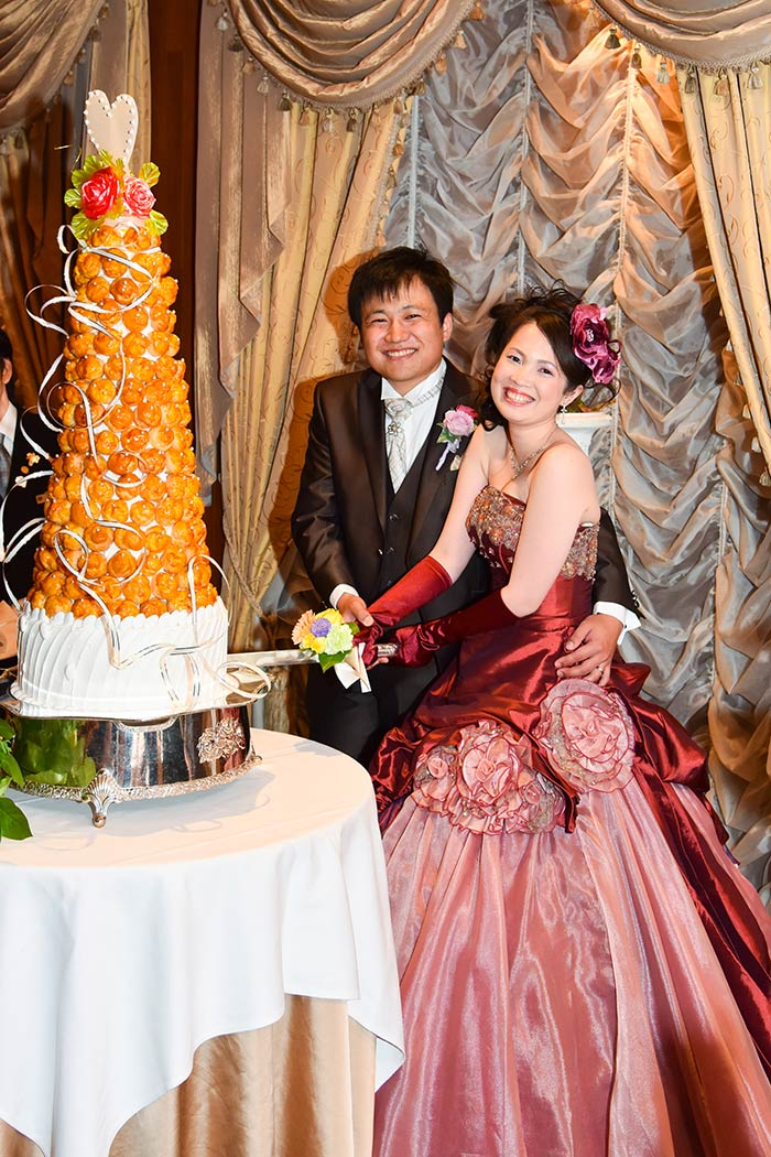愛知懸護国神社で結婚式をして名古屋観光ホテルで披露宴を行いました