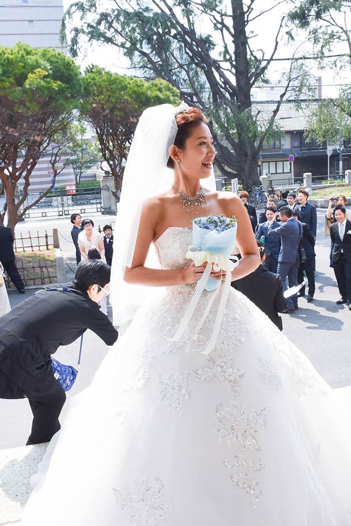 名古屋市市政資料館で結婚式を挙げ、東急REIホテルで披露宴を行いました